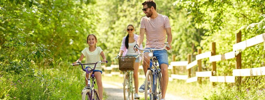 Riding-Bikes-With-Family
